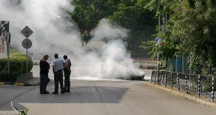 Автомобил се запали на бул. България