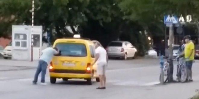 Колоездач нападна таксиметров шофьор
