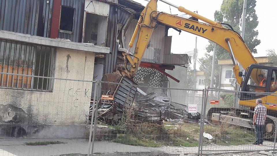 Събарят бл. 12 на Виетначските общежития