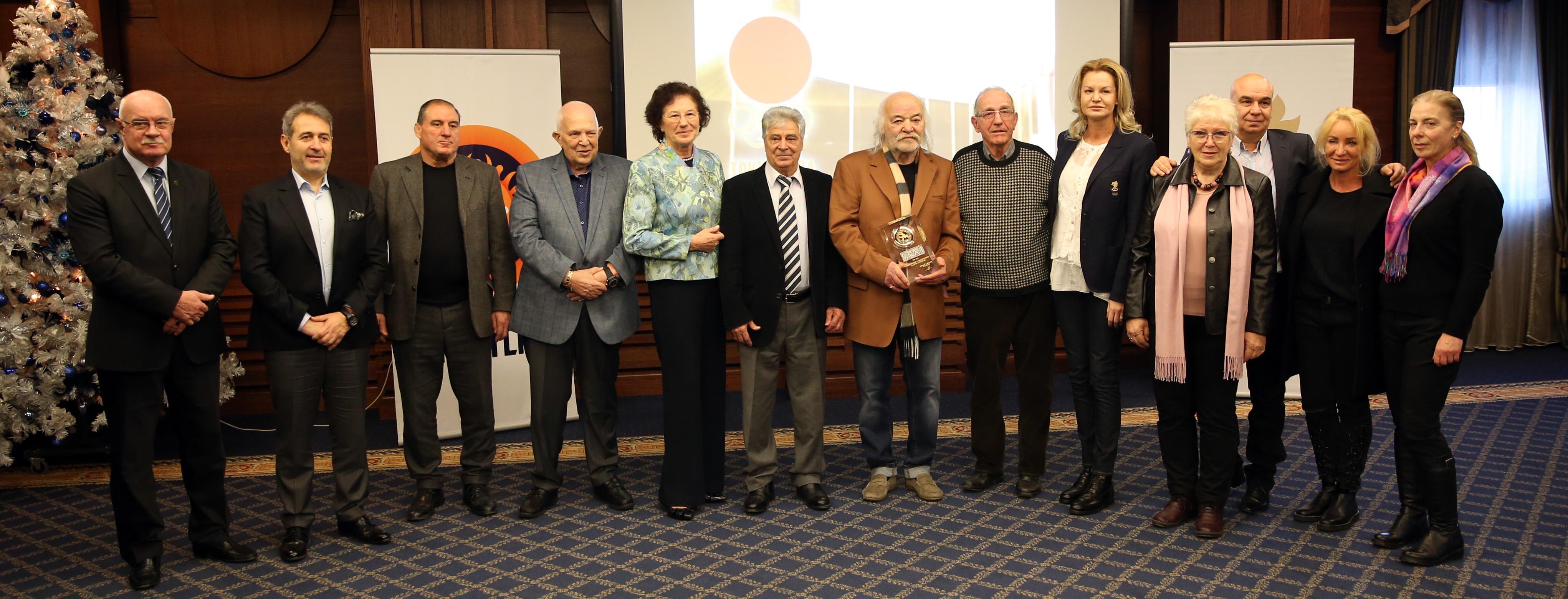 Боян Радев в компанията на олимпийски шампиони и медалисти