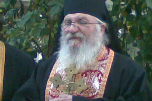 Отец Иван в приюта в Нови хан
