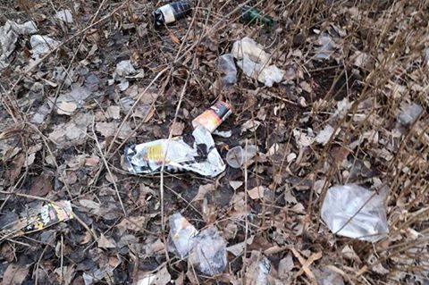 Разпилени отпадъци в кв. Сердика