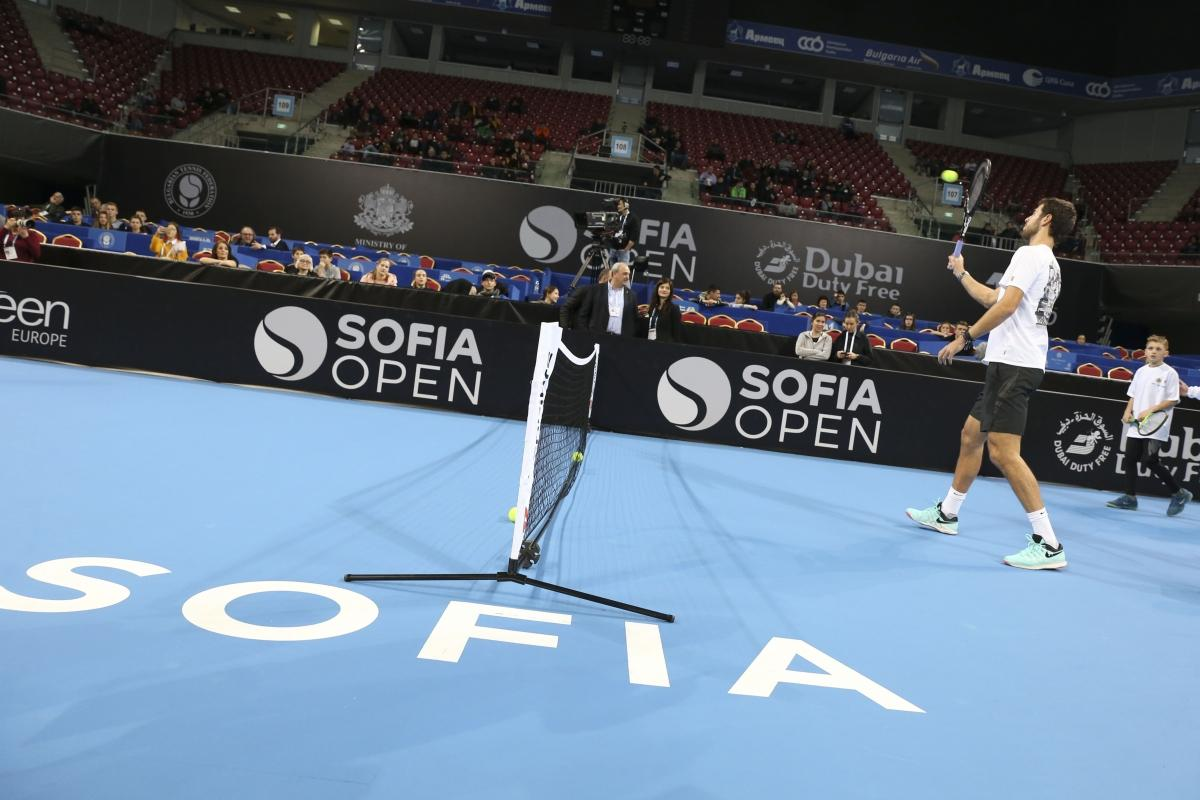 """Карен Хачанов се включи в програмата """"Тенисът – спорт за всички"""""""