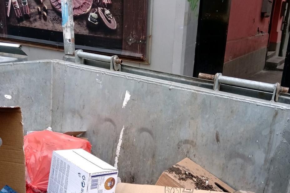 Смесване на отпадъци в контейнерите