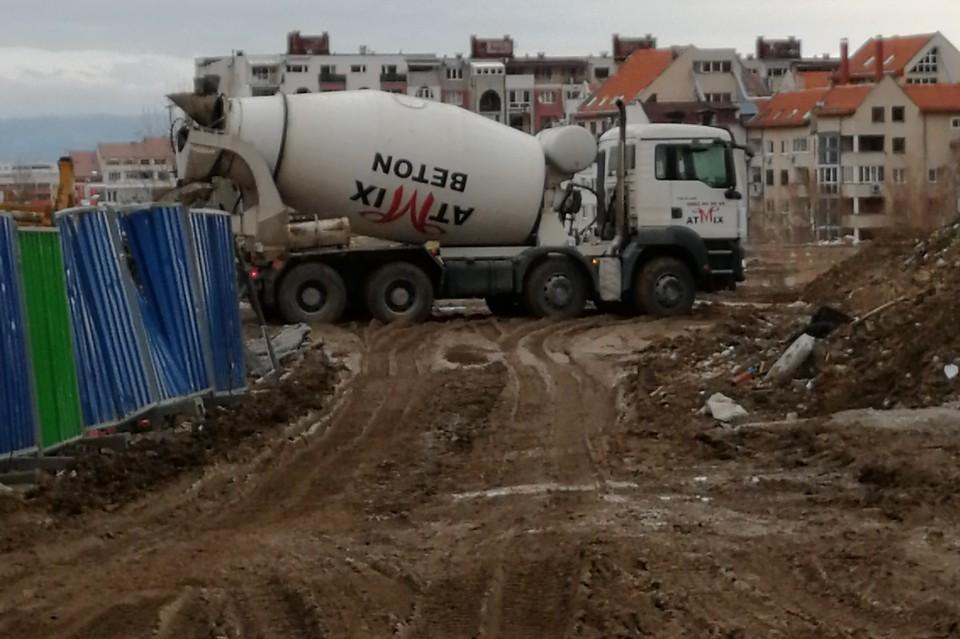 Камиони замърсяват Симеоновско шосе