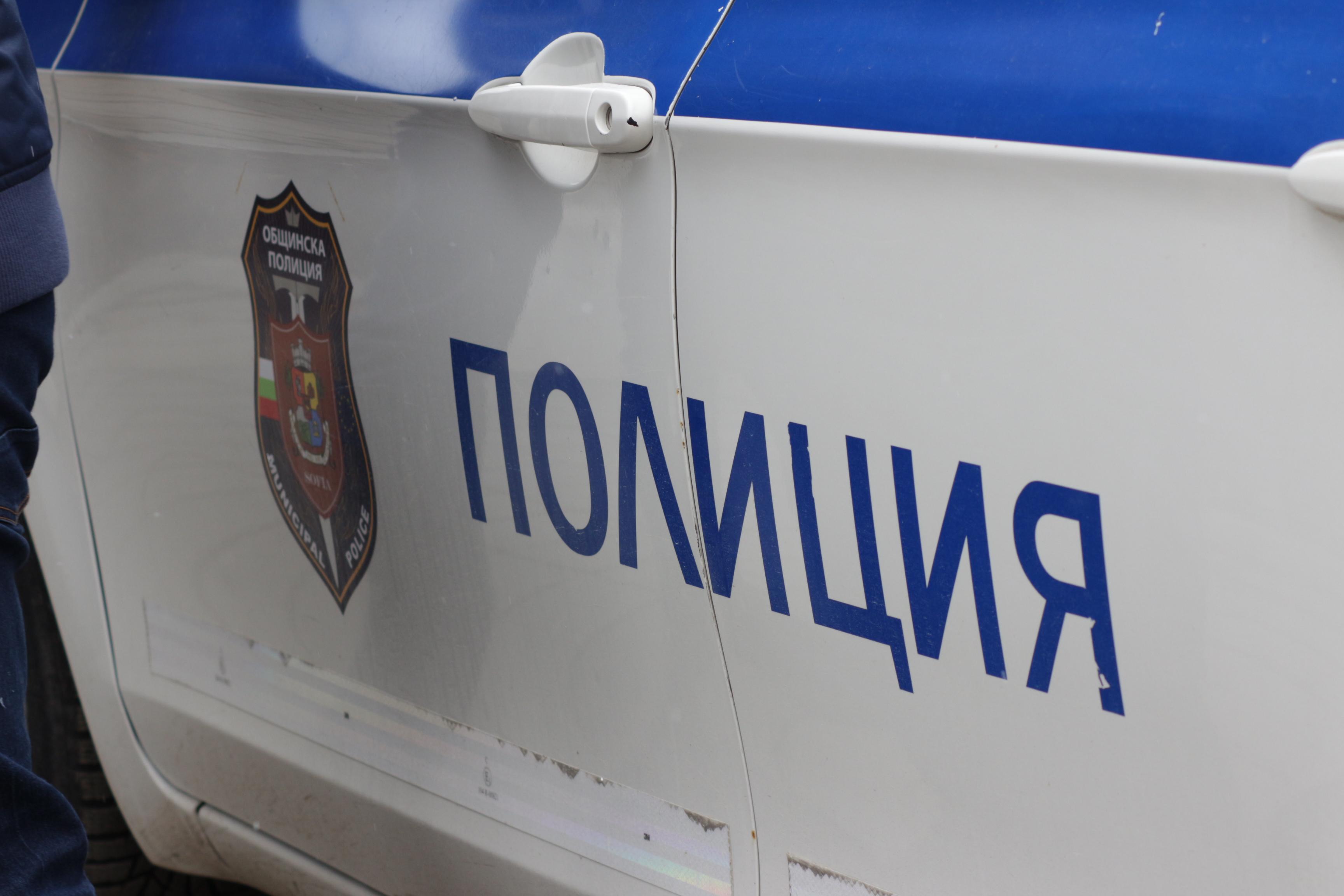 Полицейска кола
