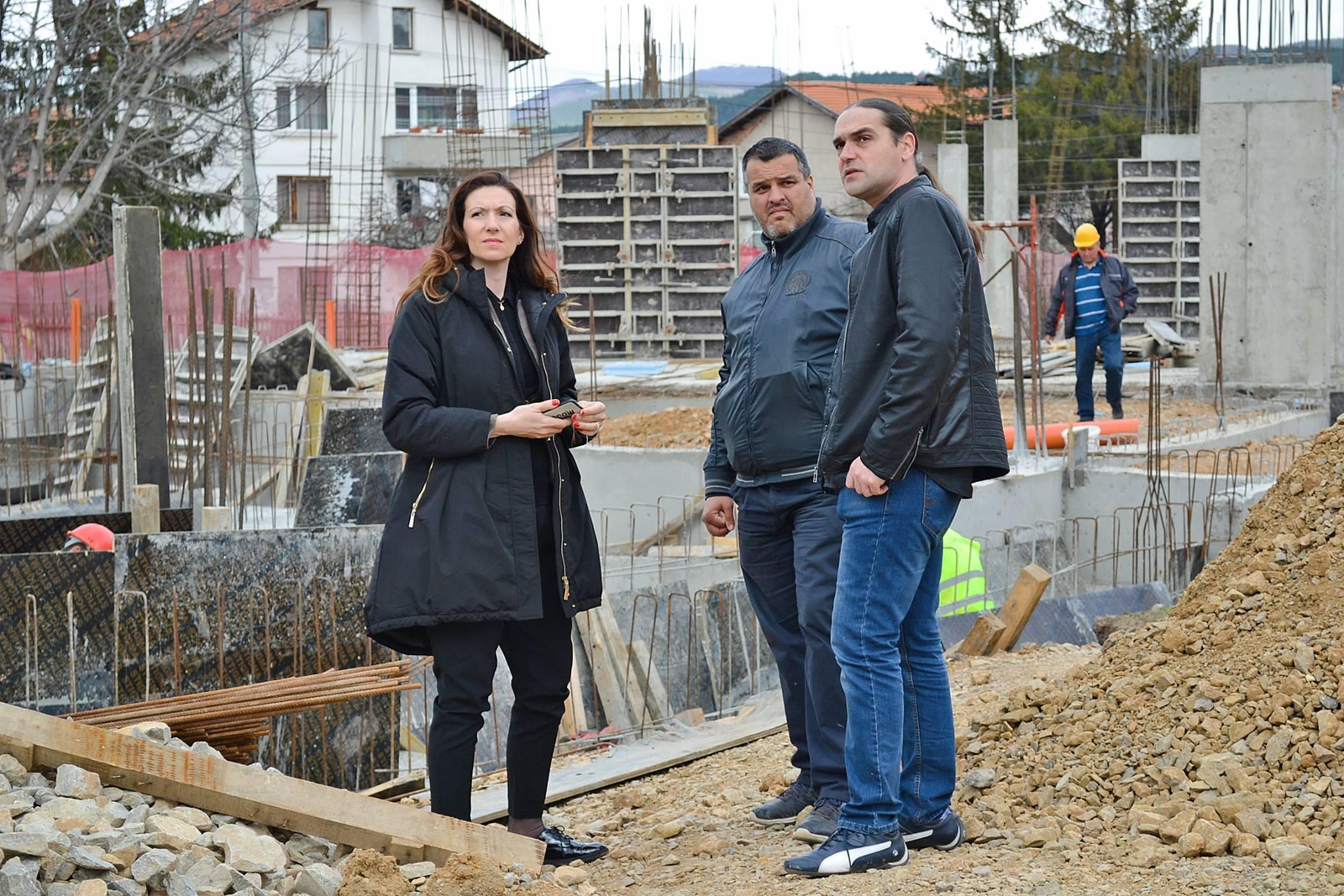 Изграждане на детска площадка в Курило