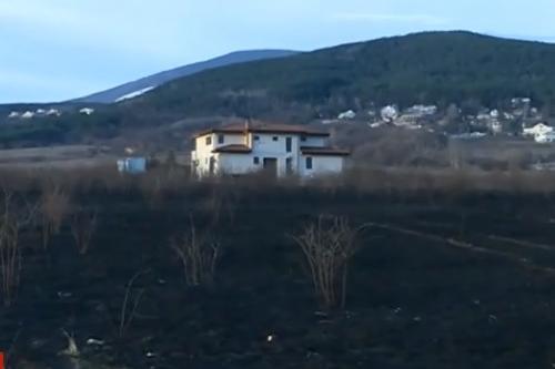 загасен пожар между Бункера и Камбаните
