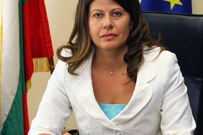 """Кметът на """"Възраждане"""" Савина Савова"""