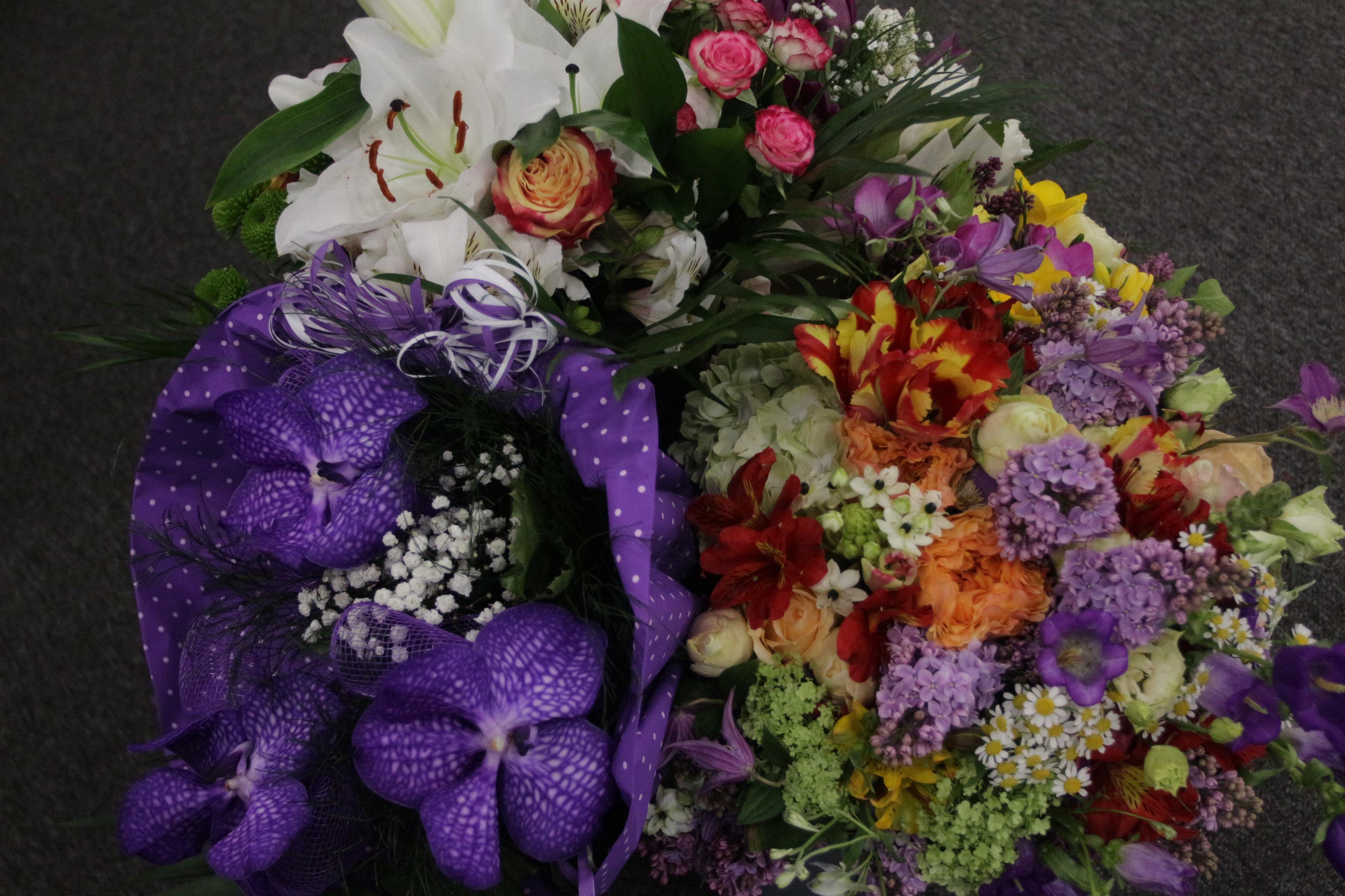 Цветя за ЧРД на Йорданка Фандъкова