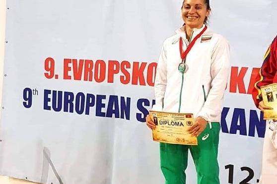 спортистка със сребърен медал