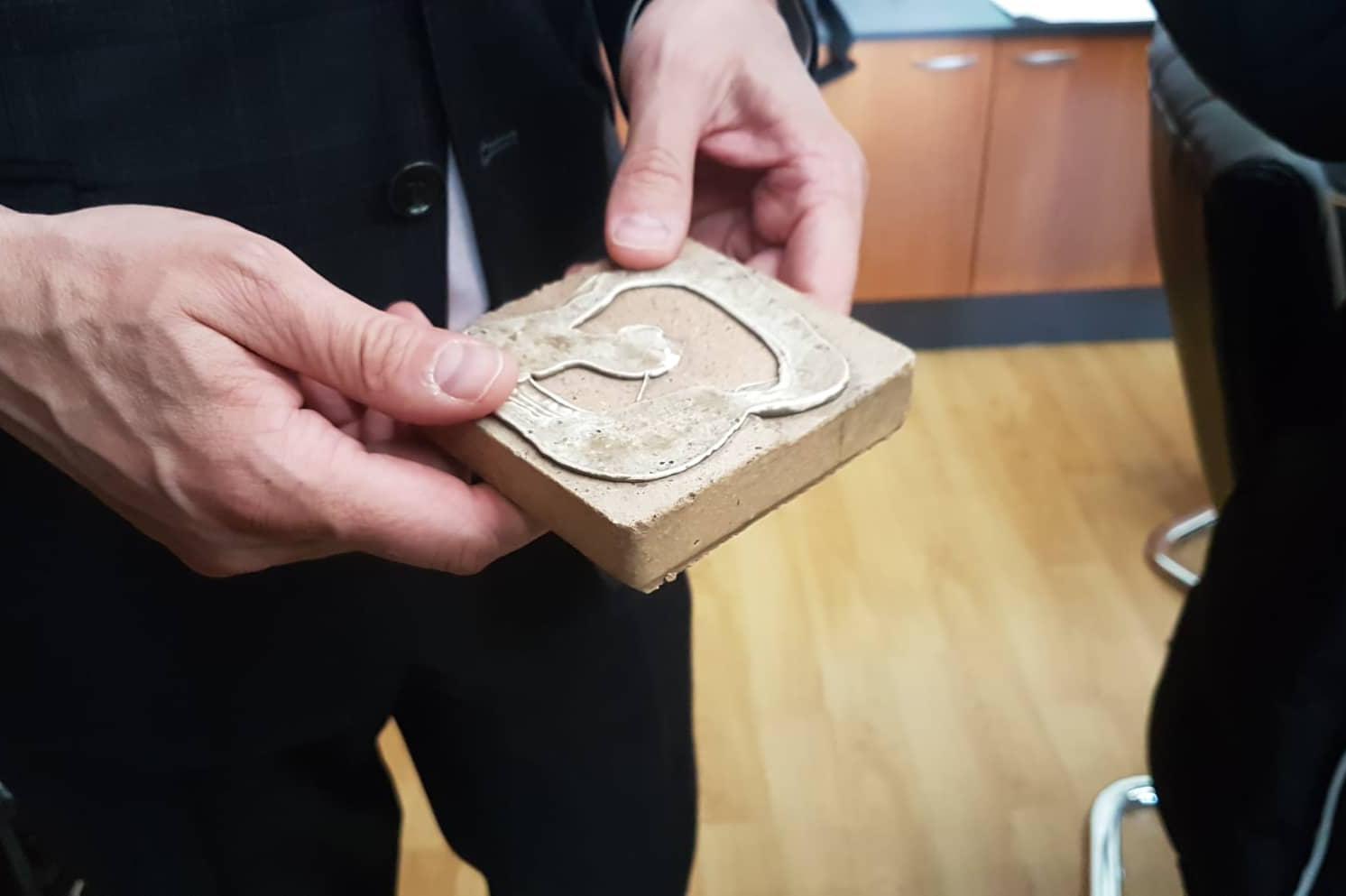 Плочка със силикон от Ларгото