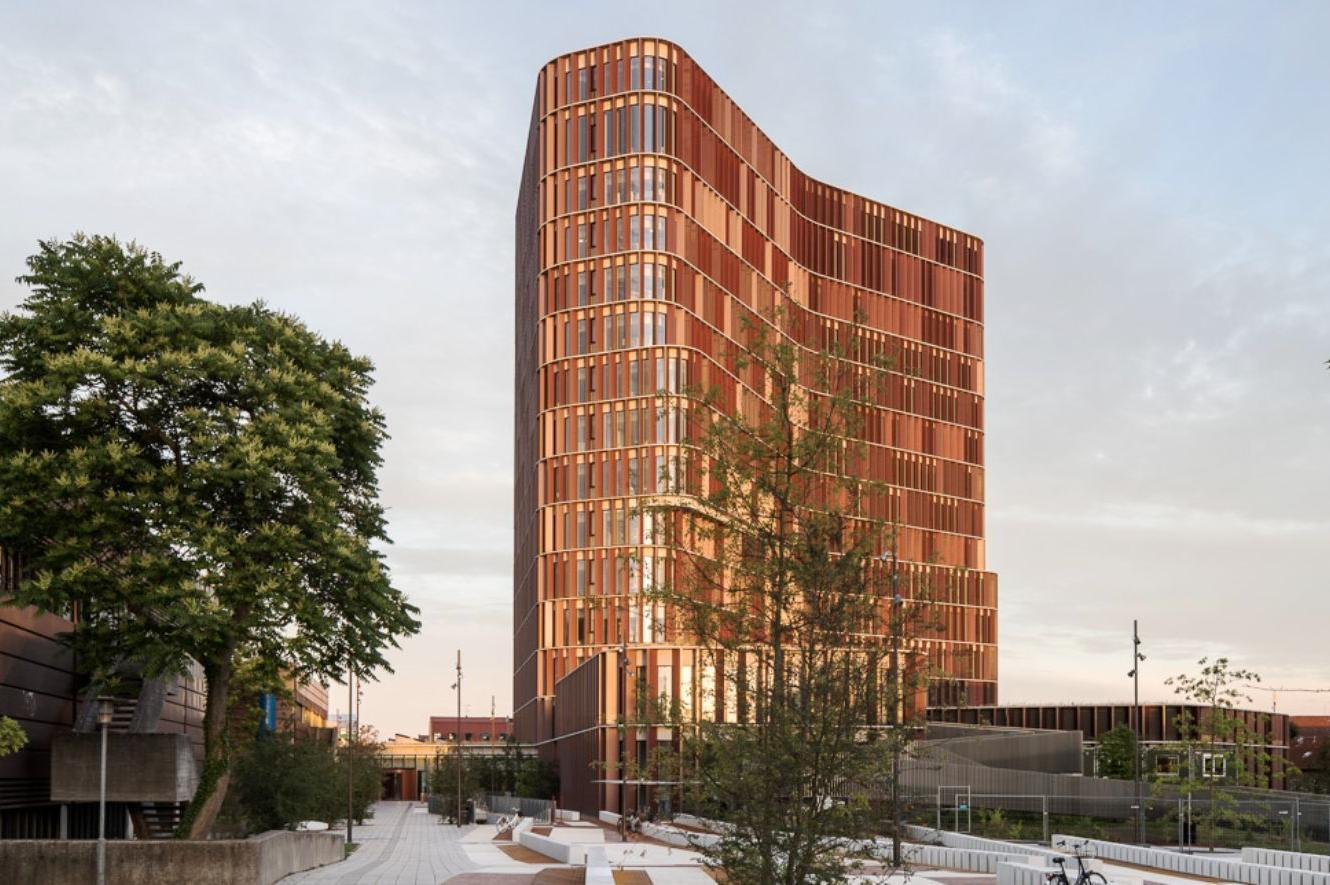 THE MAERSK TOWER IN 2017 WON THE COPENHAGEN MUNICIPAL AWARDS, THE COPPER IN