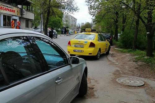 коли и тротоари