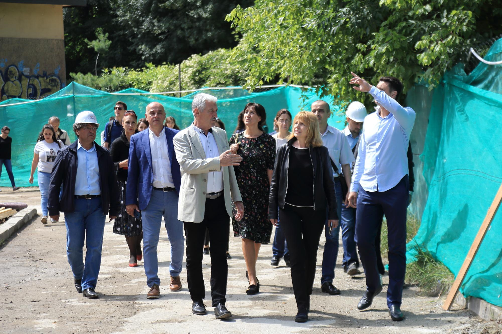 Кметът Йорданка Фандъкова на проверка в Банкя