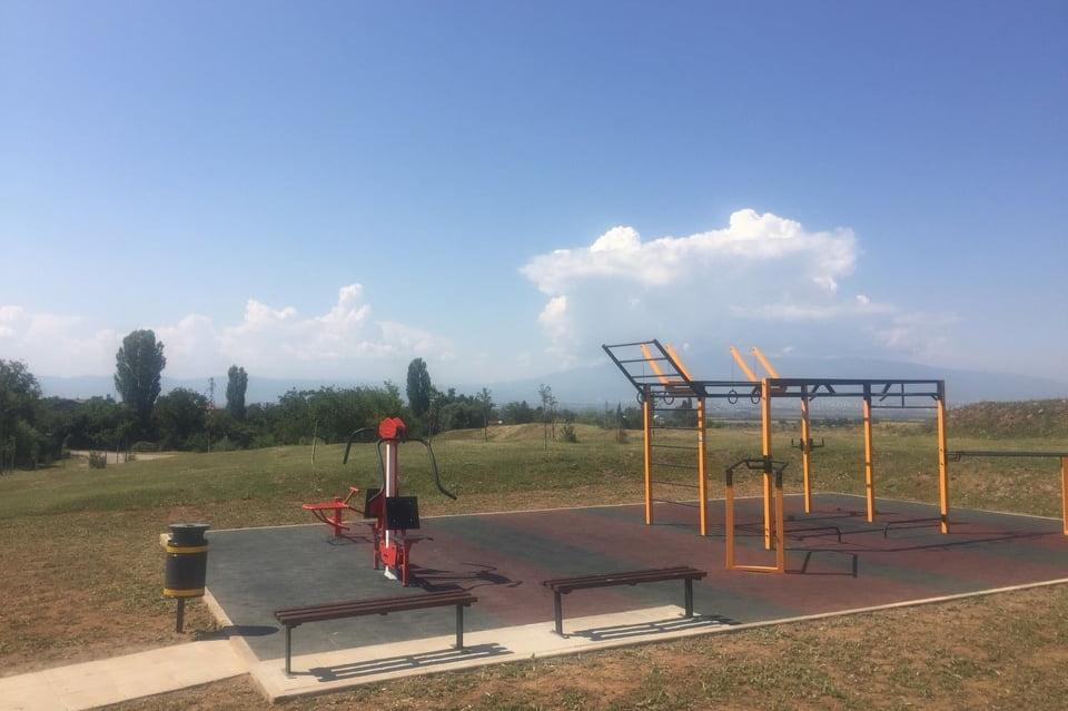Нов стадион и фитнес в район Кремиковци