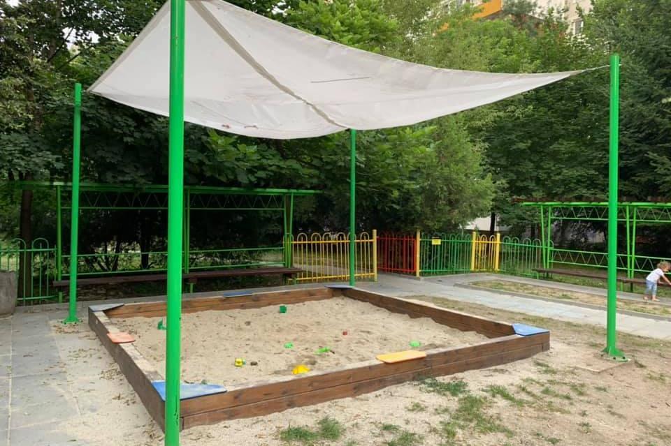 Пясъчник на детска площадка в София