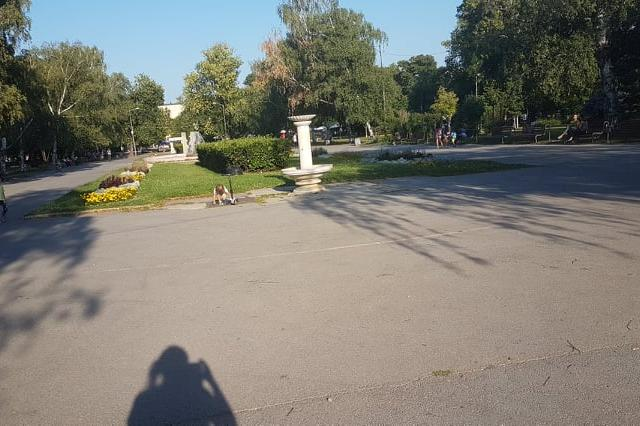 Неработеща чешма в парка Заимов