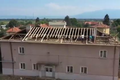 Ремонтираха покрива на училището в Нови Искър