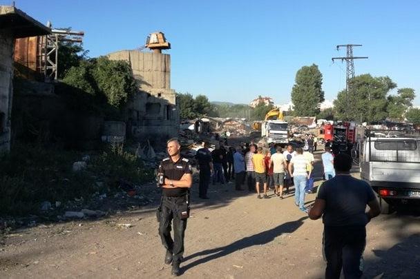 Събаряне на незаконни постройки в Захарна фабрика