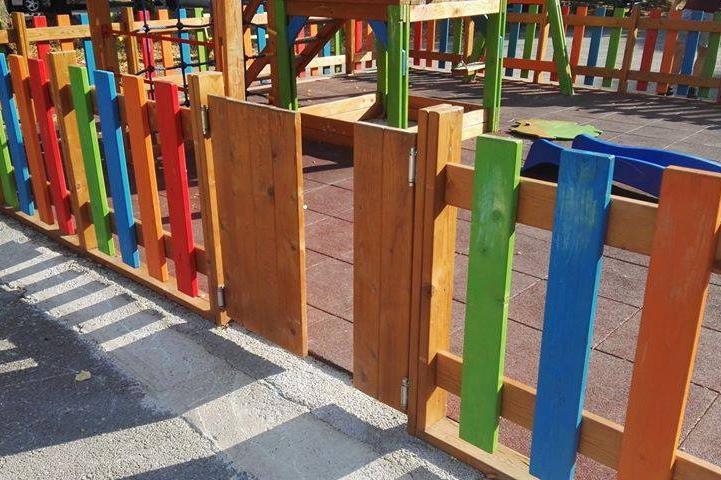 Изпочупена детска площадка в жк Стрелбище