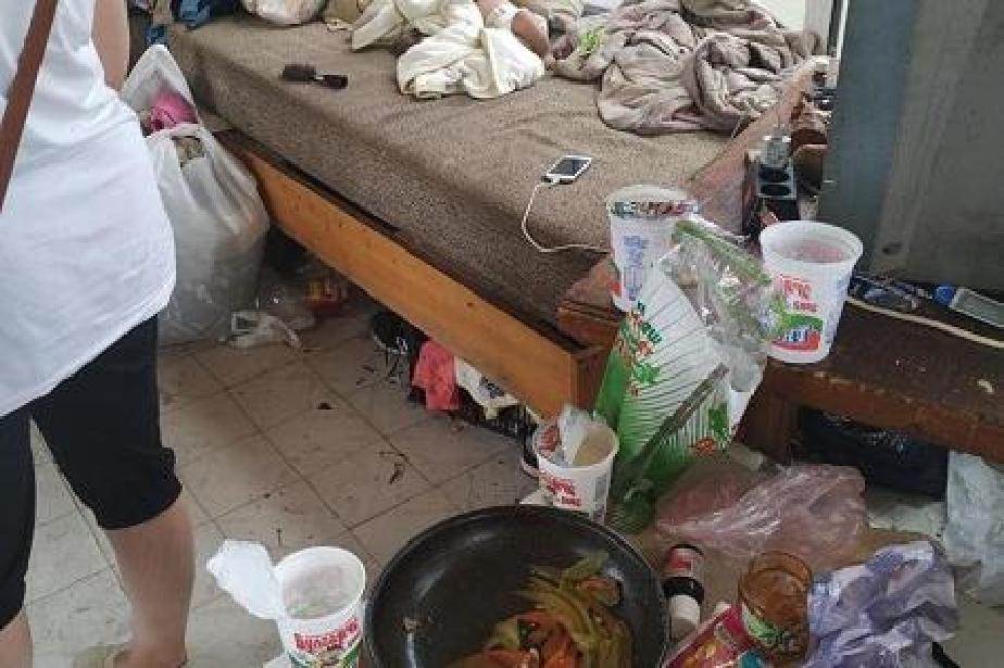 Деца, боклуци