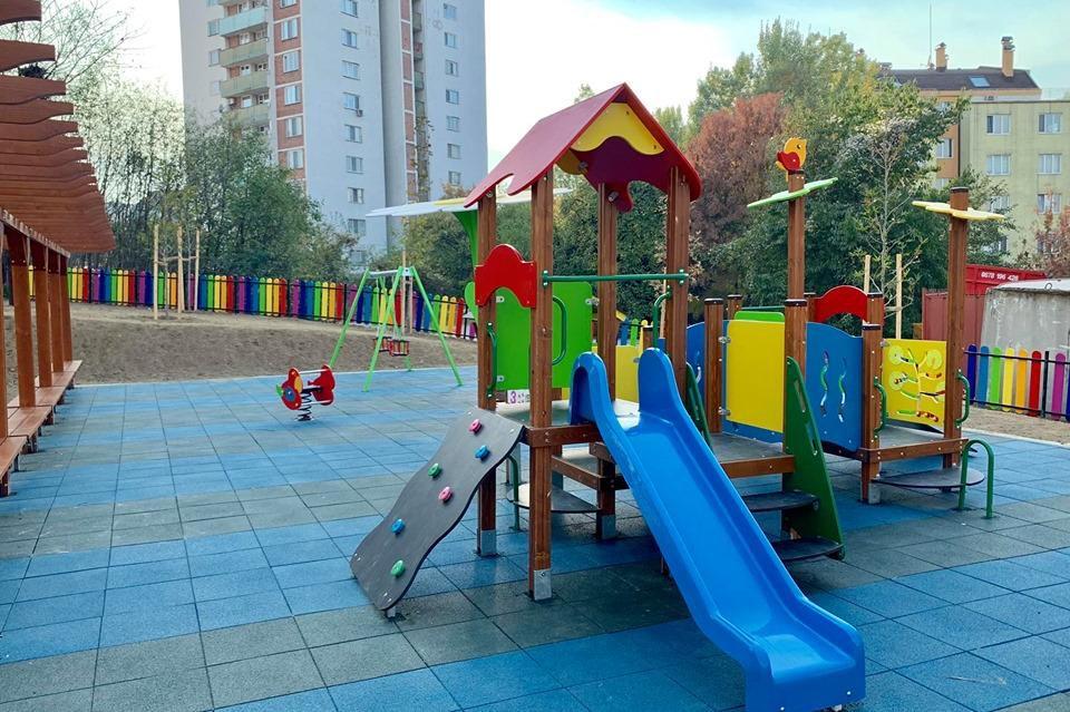 Нова детска площадка в м. Витоша ВЕЦ Симеоново
