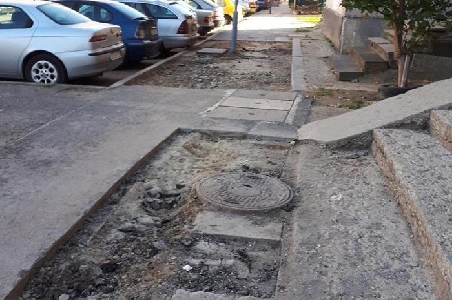 Недовършени тротоари в кв. Обеля, район Връбница