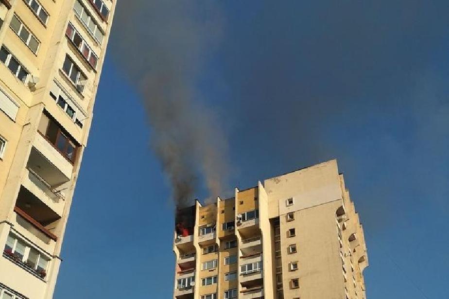 Пожар в бл. 12 на Сердика