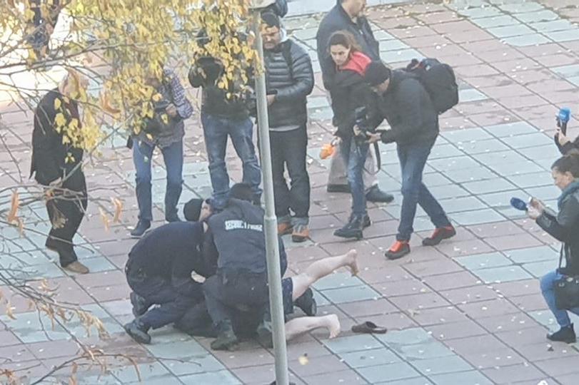 Арест на агресивния мъж
