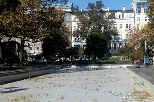 Зазимяване на фонтаните в София