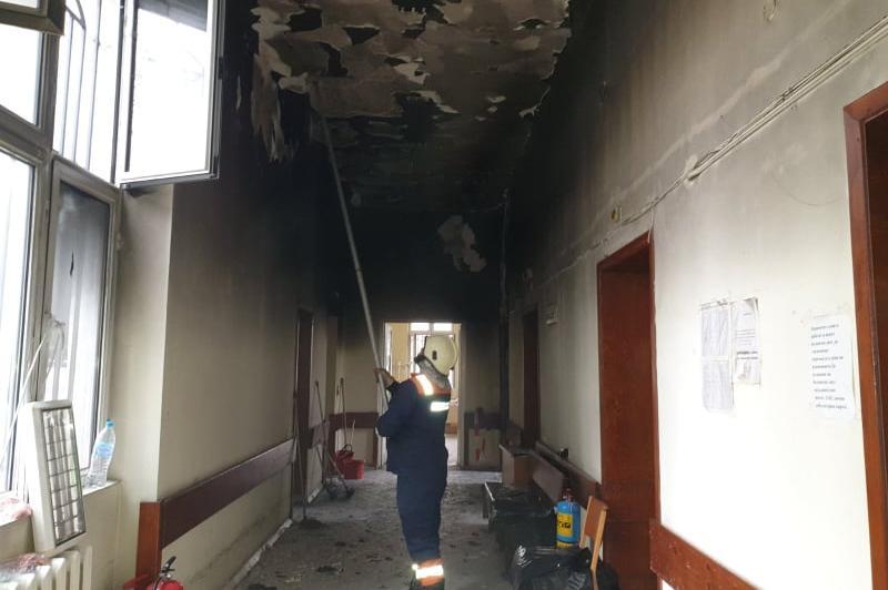 Разчистване след пожара в Пирогов