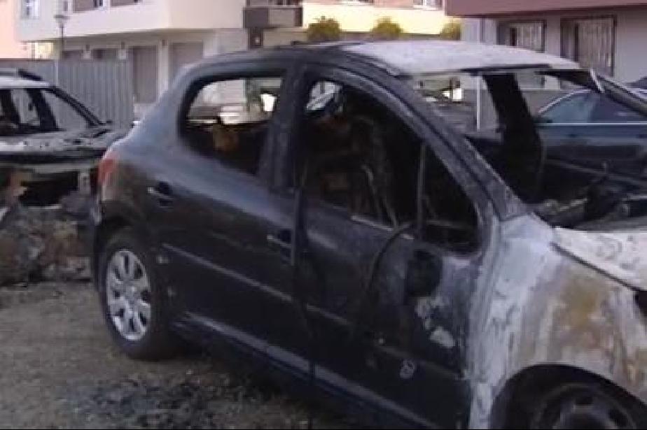 Опожарени коли в Студентски град