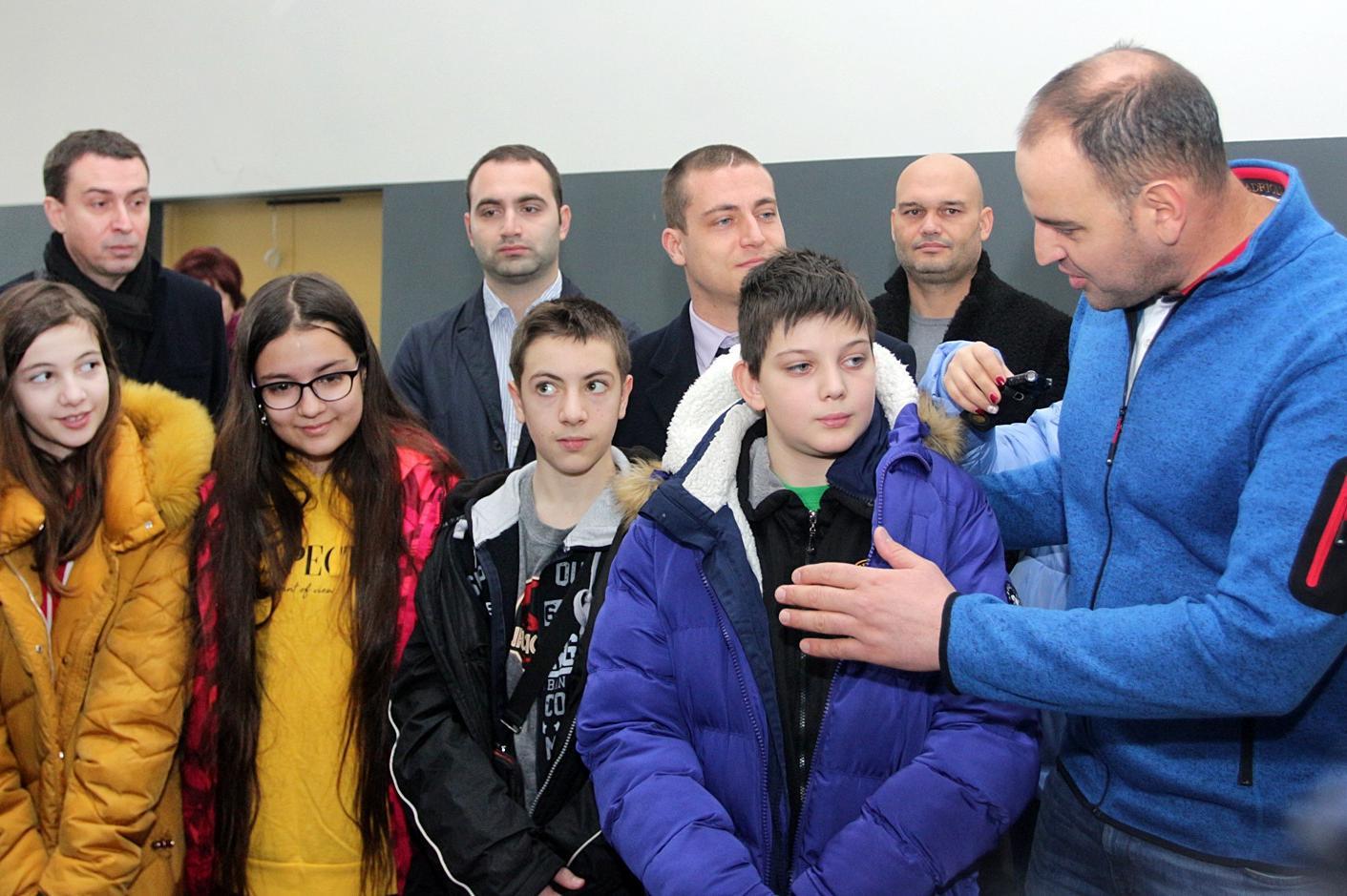 """Нов физкултурен салон 30 СУ """"Братя Миладинови"""""""