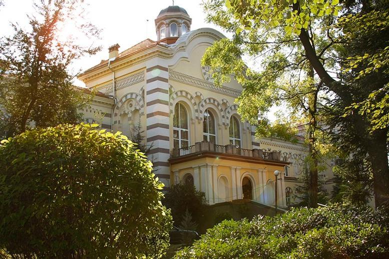 Борисов посети ремонта на Софийската духовна семинария