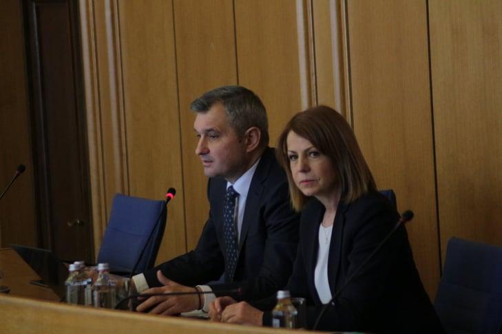 Йорданка Фандъкова пред СОС за водата в Перник