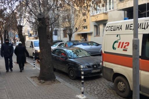 Автомобил затвори линейка на ул. Парчевич