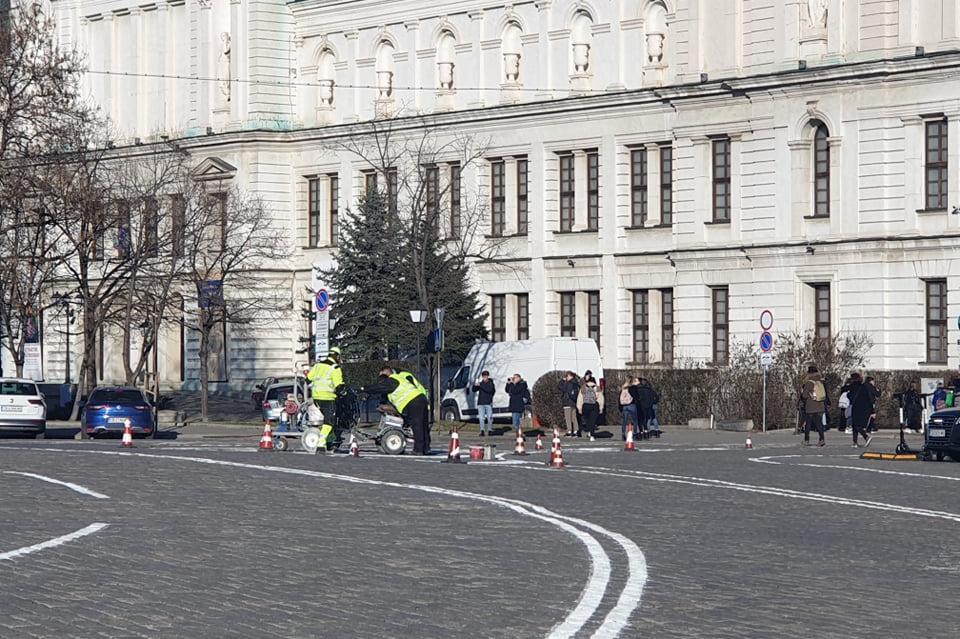 """Пътна маркировка на площад """"Свети Александър Невски"""""""