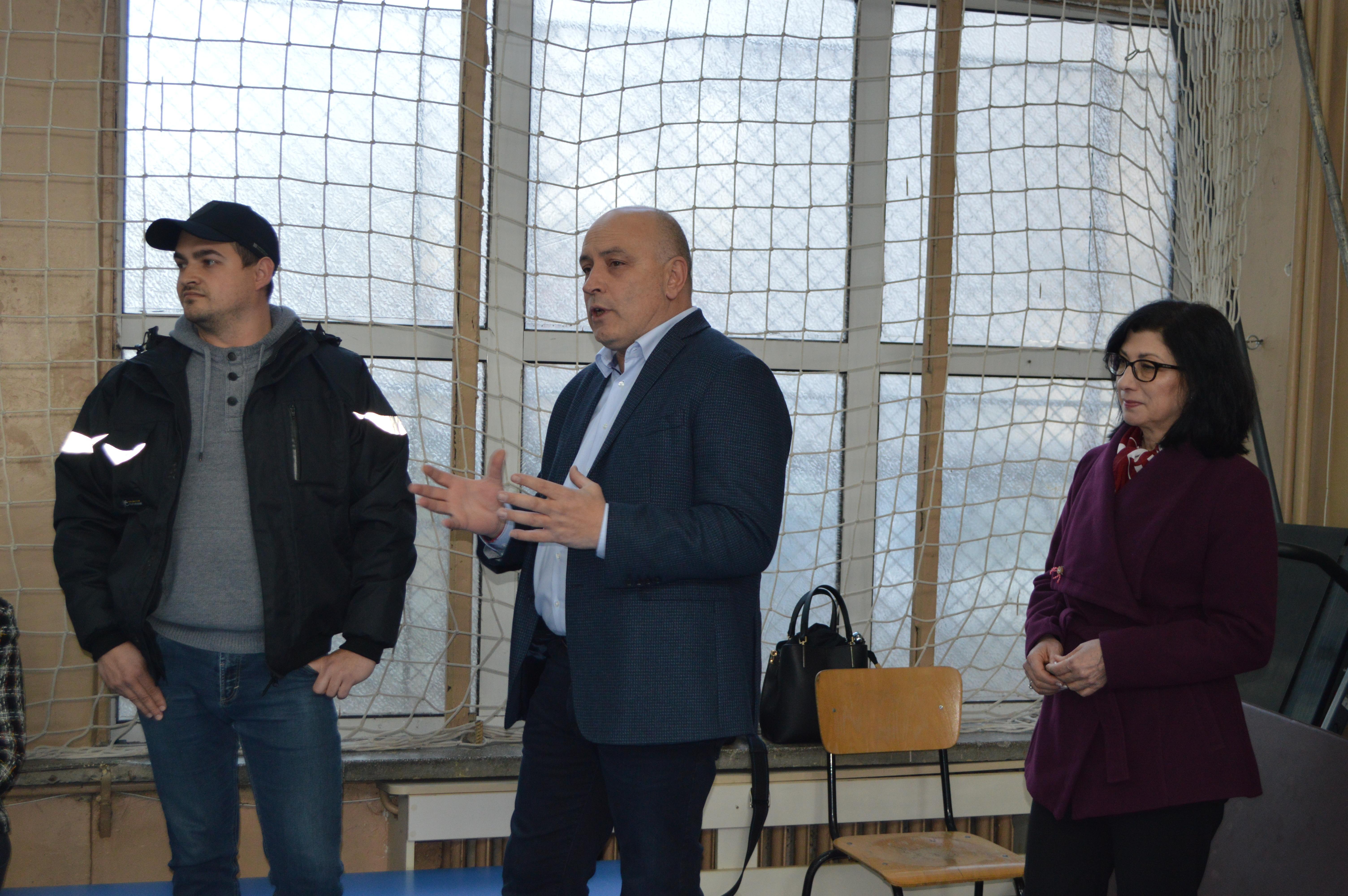 """Започва ремонт на 102 училище """"Панайот Волов"""" в Надежда"""