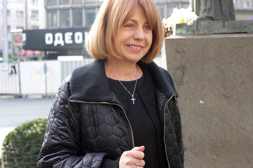 Фандъкова с призив към столичани за ремонтите и купоните по време на изолац