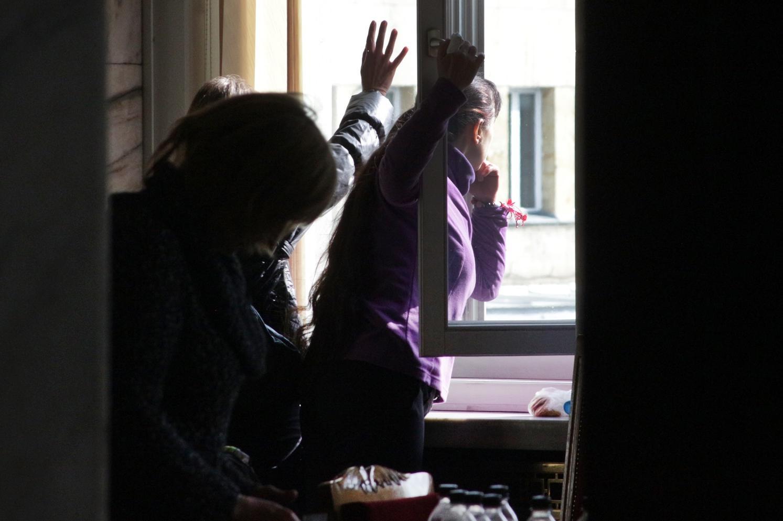 Ще скачат ли още мед сестри от прозорци в София