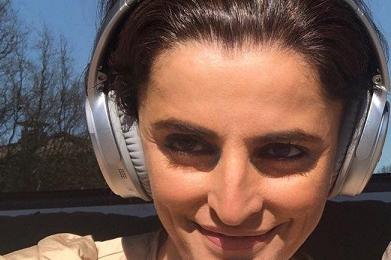 Родни звезди призовават да си останем вкъщи, слушайки българска музика