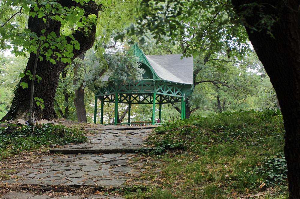 72 акта за разходки по паркове и градини в София само за ден