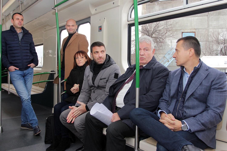 Зам.-кметът по транспорт на Столична община Кристиан Кръстев вторият седнал