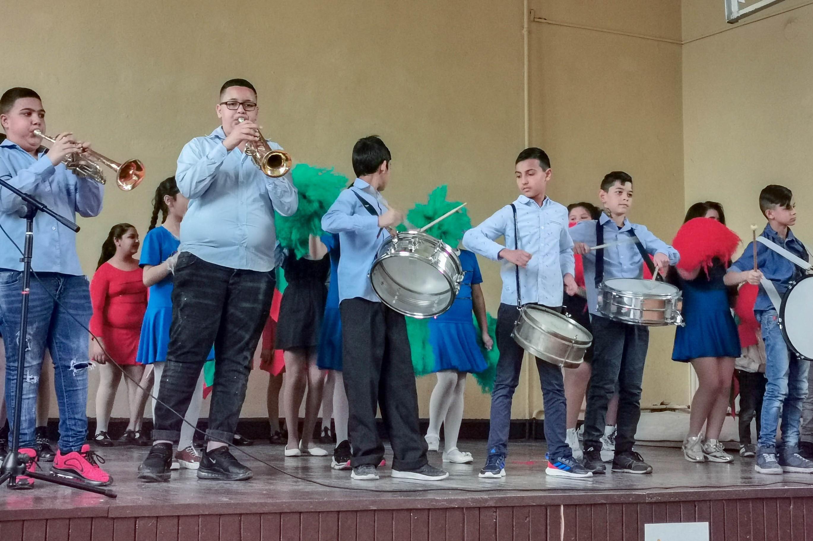 """Празнична програма на учениците от 67 ОУ """"Васил Друмев"""""""