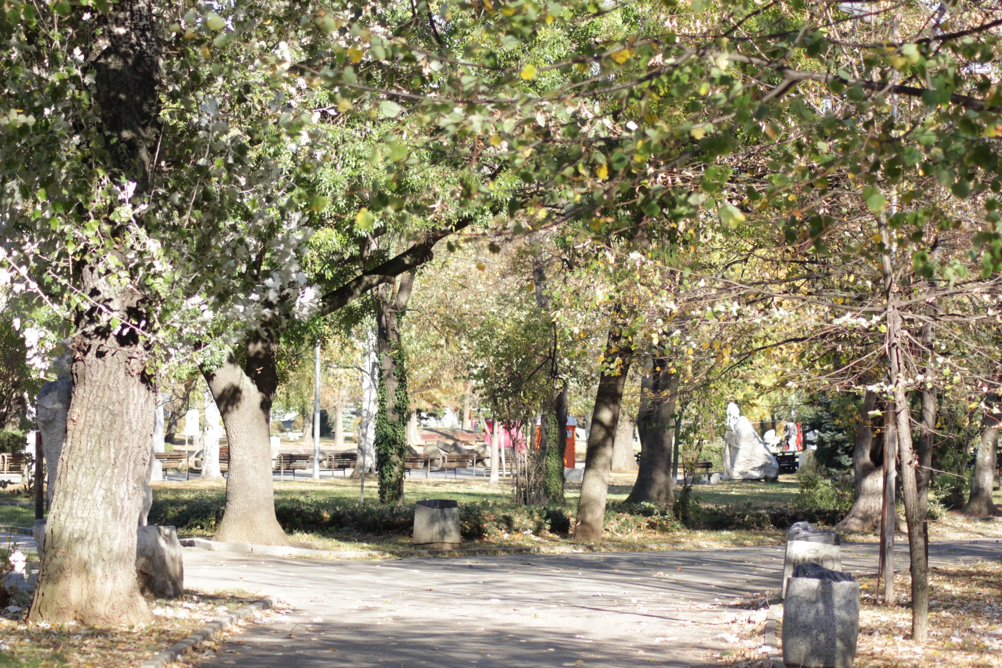 Затварят паркове, градини и детски площадки тази нощ, от 21 март