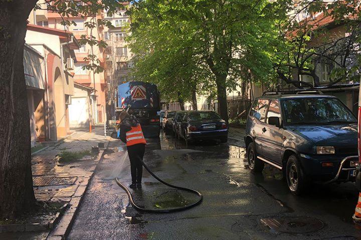 В Красно село доволни от миенето на улиците, ул. Лерин светна