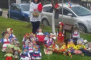 Майсторка на кукли радва хората в Банкя