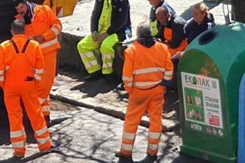 """Служители на фирма за чистота в """"Лагера"""" не спазват мерките срещу COVID-19"""