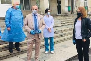 Втора и Четвърта градска получиха апарати за болните от коронавирус